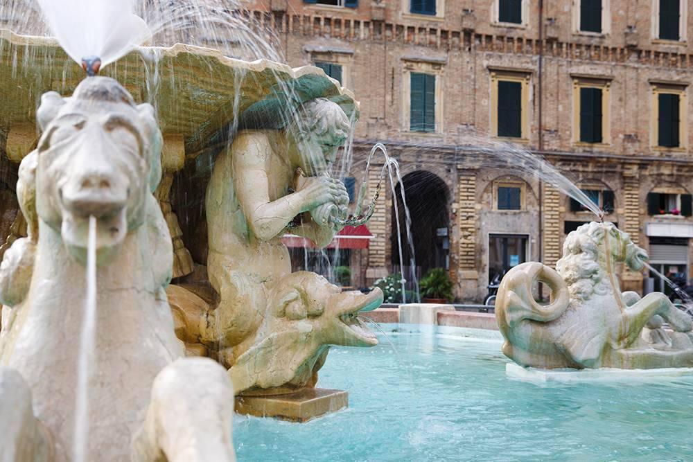 Cosa fare e vedere a Pesaro in vacanza Hotel Napoleon ...